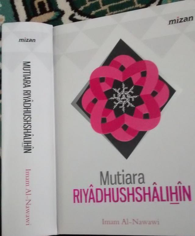 Buku pertama - Penerbit Mizan